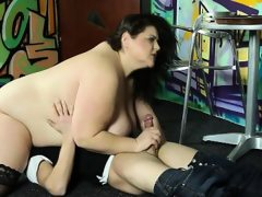 Hardcore face queening with strict bbw..