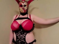 Masked bbw undress for hubby