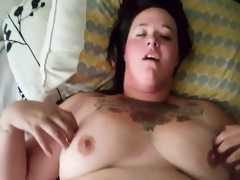 Chubby bbw amateur with a shaven pussy