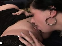 Bbw lesbian getting twat licked on couch