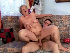 Hardcore mom lady bella fuck with old..