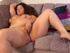 Very fat chick is sucking this tasty..