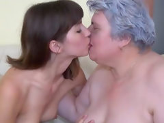 Luise has fingering fun with granny