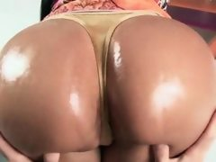Lusty sex bomb working her oily fat butt