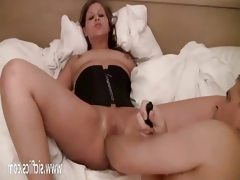 Naughty amateur gets her pussy fisted