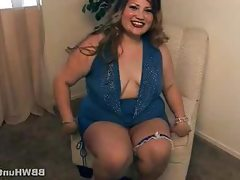 Bbw starr gives a sneak peak of what..