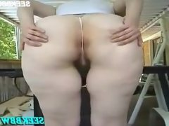 Big booty white bitch with an amazing..