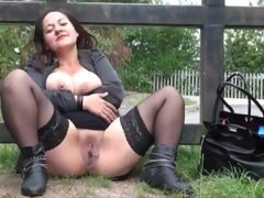 British bbw milf pissing &..