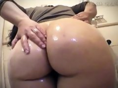 Big butt shower tease