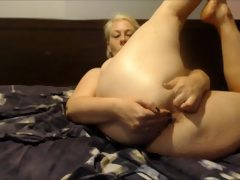 Bbw fingering pussy and ass 4 fingers..