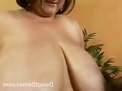 Sexy bbw has huge tits and shows off..
