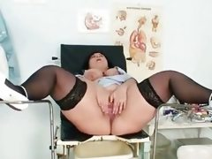 Huge tits mom rosana spreads her